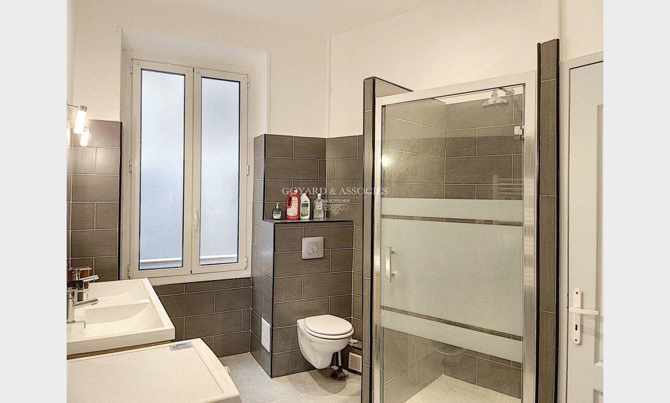Appartement 3 pièces NICE Centre : Photo 3